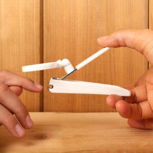 taglia unghie con lente di ingrandimento