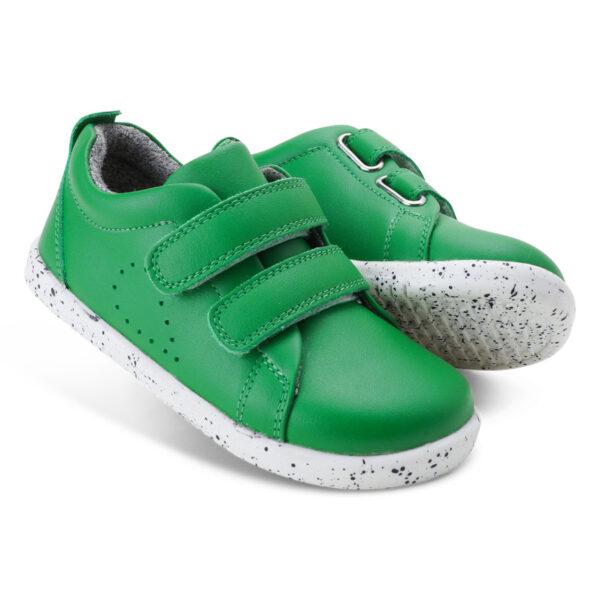 i walk grass court emerald